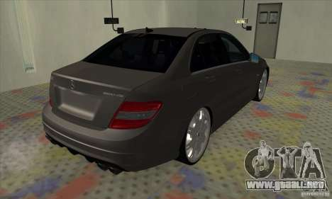 Mercedes-Benz C63 Dub para GTA San Andreas vista posterior izquierda