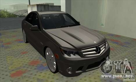 Mercedes-Benz C63 Dub para GTA San Andreas left