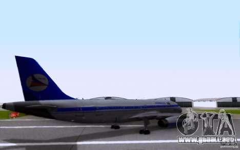 Airbus A-319 Azerbaijan Airlines para GTA San Andreas vista posterior izquierda