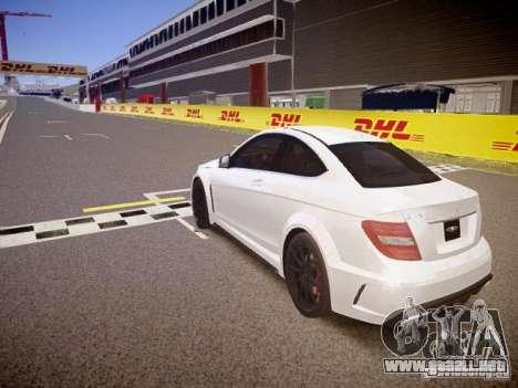 Mercedes-Benz C63 AMG Stock Wheel v1.1 para GTA 4 Vista posterior izquierda