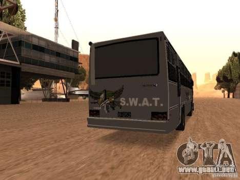 Mercedes Benz SWAT Bus para GTA San Andreas vista posterior izquierda