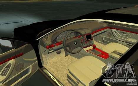 BMW 750i para GTA San Andreas vista posterior izquierda