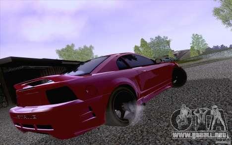 Ford Mustang SVT Cobra 2003 Black wheels para GTA San Andreas vista posterior izquierda