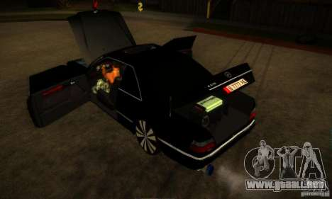 Mercedes-Benz CE 320 para vista lateral GTA San Andreas