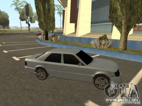 Mercedes-Benz E420 AMG para GTA San Andreas left