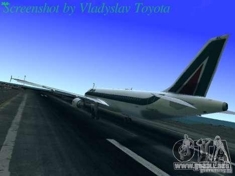 Airbus A320-214 Alitalia v.1.0 para GTA San Andreas vista posterior izquierda