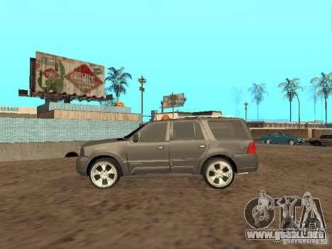 Lincoln Navigator 2004 para GTA San Andreas vista hacia atrás