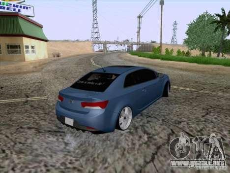 Kia Cerato Coupe 2011 para visión interna GTA San Andreas