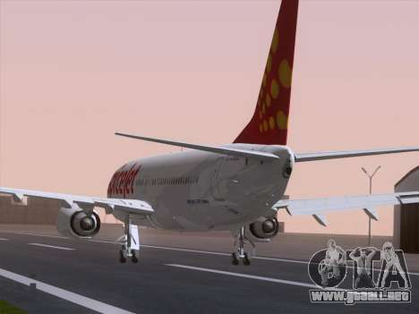 Boeing 737-8F2 Spicejet para GTA San Andreas left