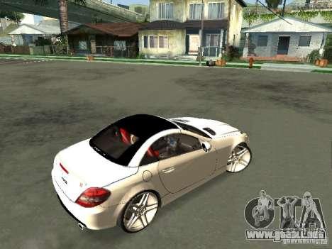 Mercedes Benz SLK 300 para GTA San Andreas vista posterior izquierda