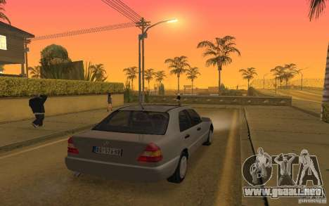 Mercedes Benz C220 para vista lateral GTA San Andreas