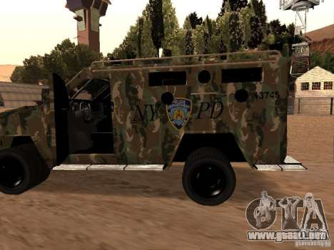 Lenco Bearcat NYPD para GTA San Andreas left