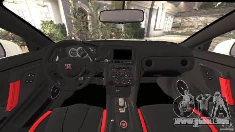 Nissan GT-R 2012 Black Edition para GTA 4 vista hacia atrás
