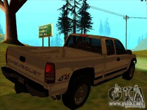 Chevrolet Silverado 2006 4x4 para la visión correcta GTA San Andreas