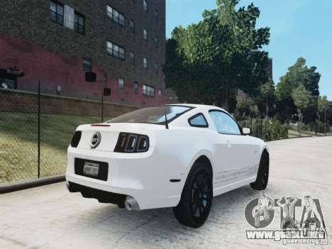 Ford Mustang GT 2013 para GTA 4 vista hacia atrás