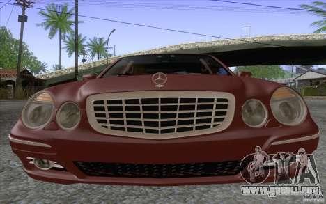 Mercedes-Benz E320 para la visión correcta GTA San Andreas