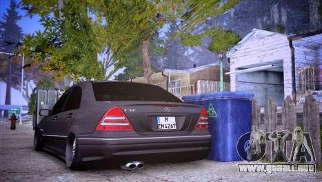 Mercedes-Benz C32 AMG para GTA San Andreas left
