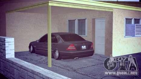 Mercedes-Benz C32 AMG para la visión correcta GTA San Andreas