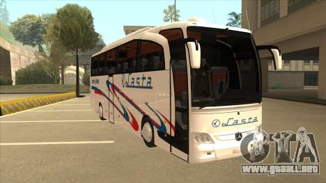 Mercedes-Benz Lasta Bus para GTA San Andreas left