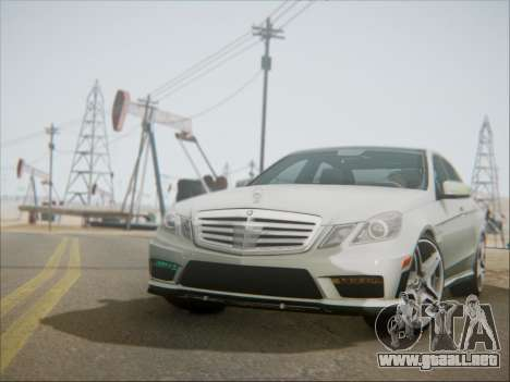 Mercedes-Benz E63 AMG 2010 para GTA San Andreas left