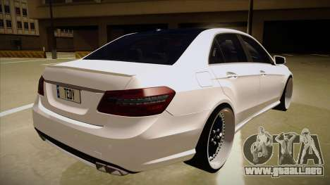 Mercedes-Benz E63 6.3 AMG Tedy para la visión correcta GTA San Andreas