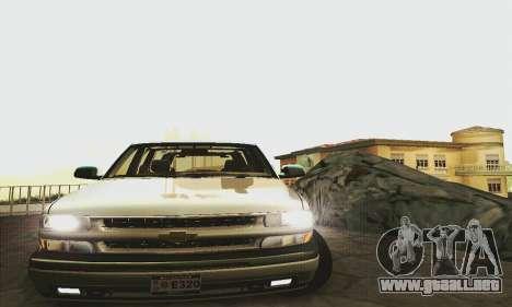 Chevrolet Suburban SAPD FBI para GTA San Andreas vista posterior izquierda