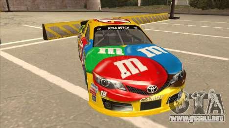 Toyota Camry NASCAR No. 18 MandMs para GTA San Andreas left