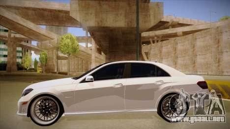 Mercedes-Benz E63 6.3 AMG Tedy para GTA San Andreas vista posterior izquierda