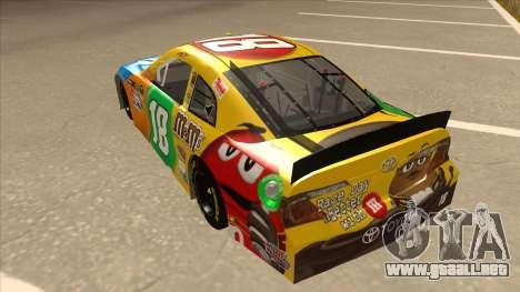 Toyota Camry NASCAR No. 18 MandMs para GTA San Andreas vista hacia atrás