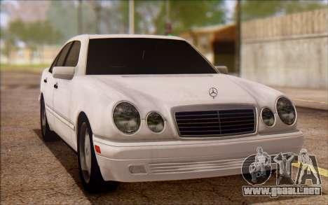Mercedes-Benz E420 v2.0 para GTA San Andreas left
