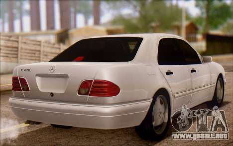 Mercedes-Benz E420 v2.0 para GTA San Andreas vista posterior izquierda