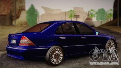 Mercedes-Benz C320 Elegance 2004 para GTA San Andreas left
