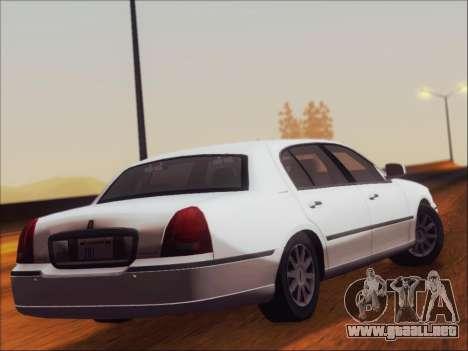 Lincoln Town Car 2010 para la visión correcta GTA San Andreas