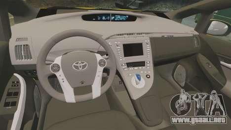 Toyota Prius 2011 Warsaw Taxi v2 para GTA 4 vista lateral