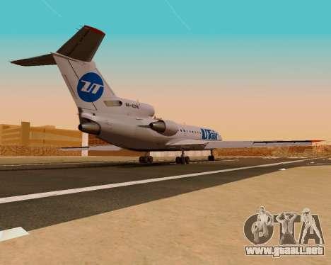 Yak-42 d UTair para GTA San Andreas left