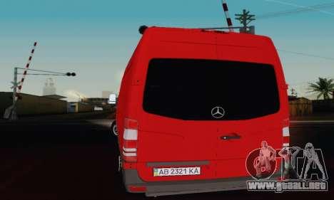 Mersedes-Benz Sprinter para GTA San Andreas vista posterior izquierda