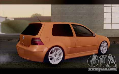 Volkswagen Golf IV para GTA San Andreas left