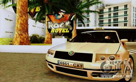 Skoda Superb 2.2 Spanish TAXI para GTA San Andreas left