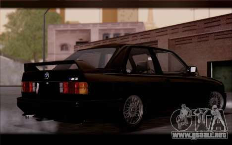 BMW M3 E30 Stock Version para GTA San Andreas vista posterior izquierda