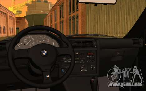 BMW M3 E30 Stock Version para visión interna GTA San Andreas