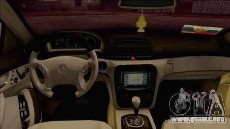 Mercedes-Benz W220 S500 4matic para la visión correcta GTA San Andreas