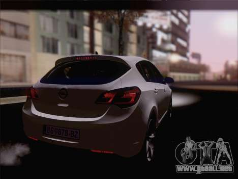 Opel Astra J 2011 para GTA San Andreas left