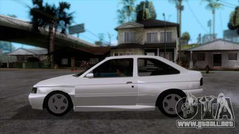 Ford Escort 1996 para GTA San Andreas left