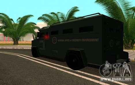 GTA V Police Riot para GTA San Andreas vista hacia atrás