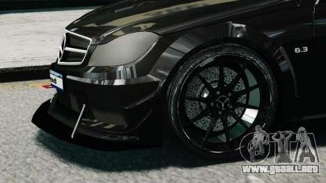 Mercedes-Benz C63 AMG Black Series 2012 para GTA 4 visión correcta