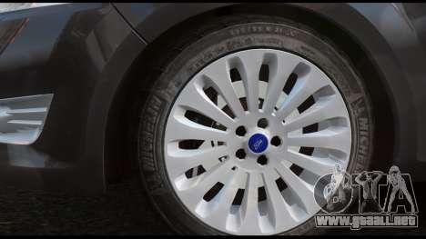 Ford Mondeo Mk.IV para GTA 4 Vista posterior izquierda