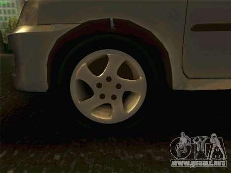 Mazda Demio 1998 para GTA San Andreas vista hacia atrás