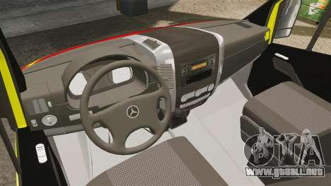 Mercedes-Benz Sprinter Finnish Ambulance [ELS] para GTA 4 vista hacia atrás