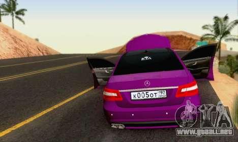 Mercedes-Benz E63 AMG para vista inferior GTA San Andreas