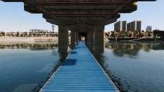 La carretera por debajo del puente